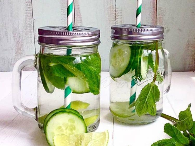 b73e3665-87f8-462c-a711-047c9284eca8--Cucumber_Mint_Lime_Detox_Water_1_2-